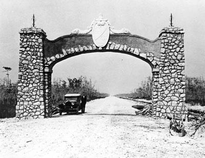 Tamiami-Trail-arch