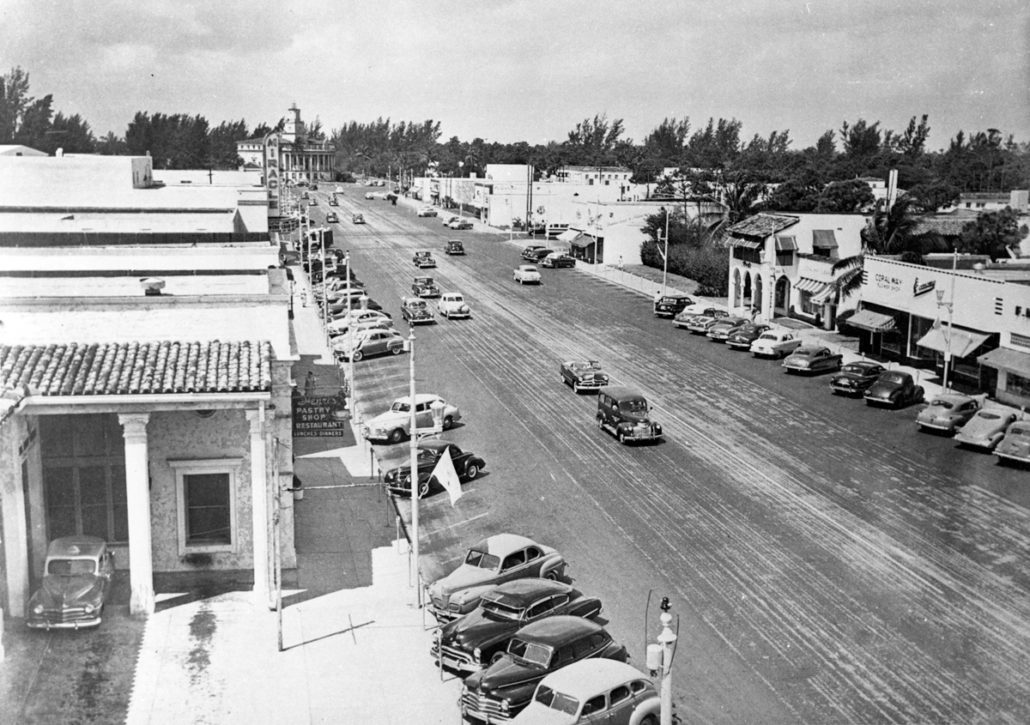 View of Miracle Mile looking west from Ponce de Leon Blvd., 1940. Courtesy of HistoryMiami Museum, Miami News Collection, 1989-011-4174.