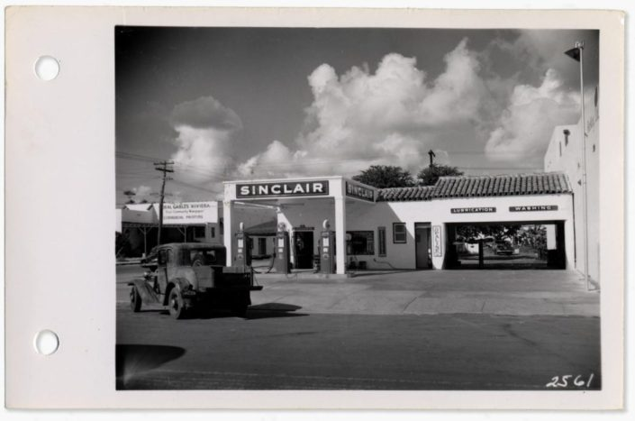 View of Miracle Mile, 1949. Image courtesy of Coral Gables Historical Resources.